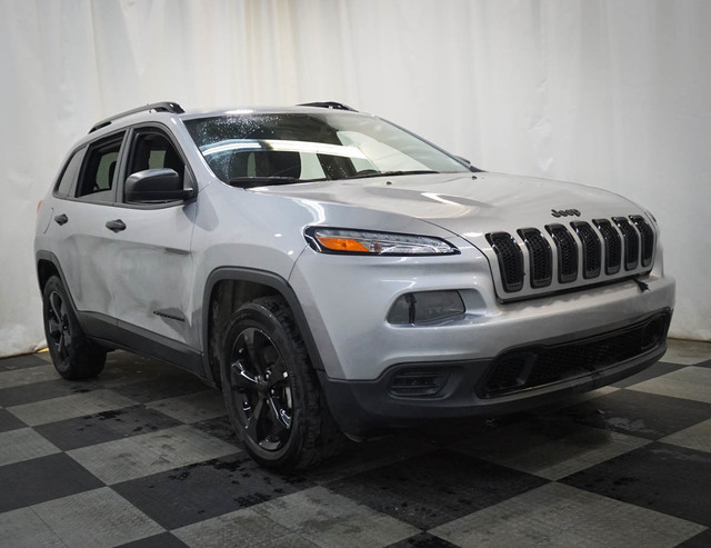 Pre-Owned 2017 Jeep Cherokee Altitude 4x4 *Ltd Avail*