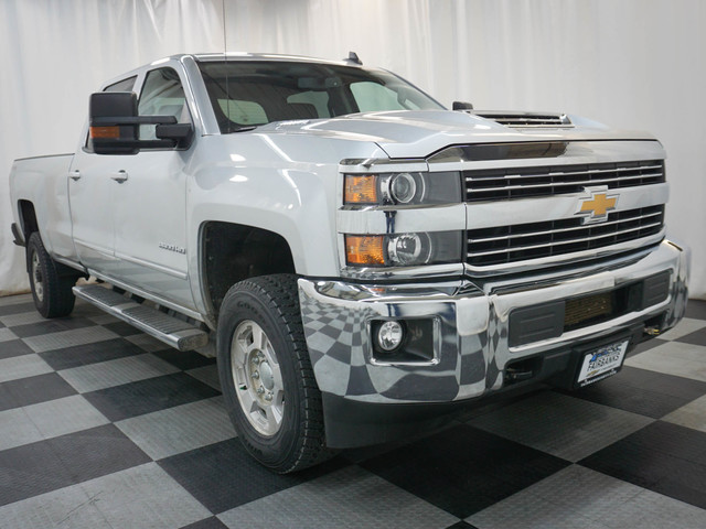 Certified Pre-Owned 2017 Chevrolet Silverado 2500HD 4WD Crew Cab 167.7 LT