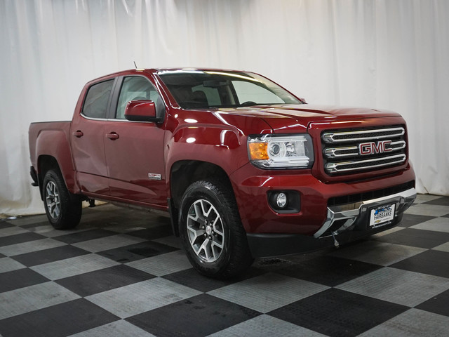 Pre-Owned 2017 GMC Canyon 4WD Crew Cab 128.3 SLE