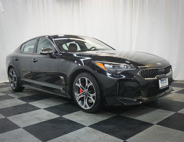 Pre-Owned 2018 Kia Stinger GT1 AWD
