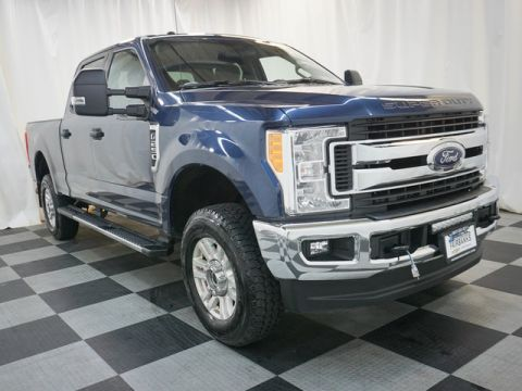 Pre-Owned 2017 Ford Super Duty F-250 SRW XLT 4WD Crew Cab 6.75' Box