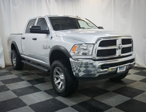 Pre-Owned 2017 Ram 2500 Tradesman 4x4 Crew Cab 6'4 Box