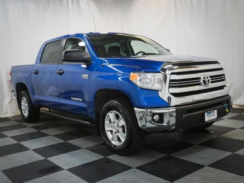 Pre-Owned 2017 Toyota Tundra 4WD SR5 CrewMax 5.5' Bed 5.7L
